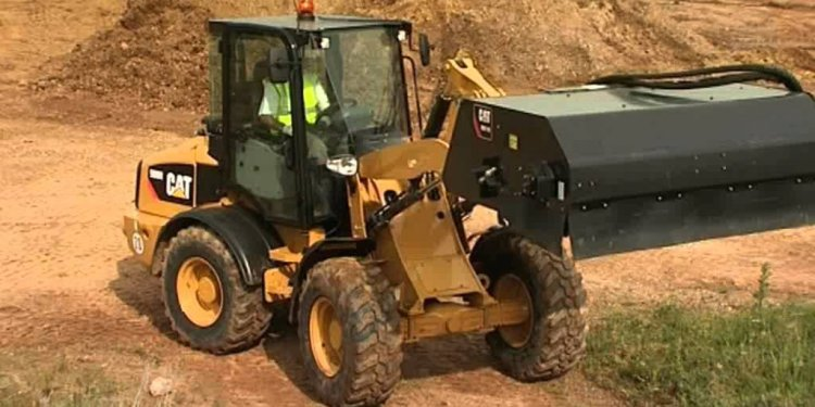 Cat Compact Wheel loader range