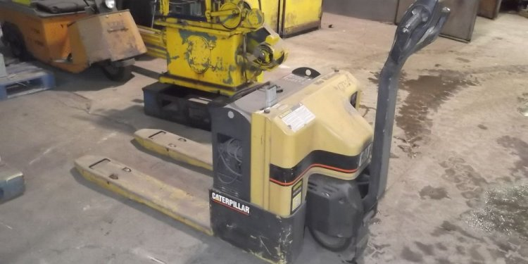 Caterpillar Electric Pallet