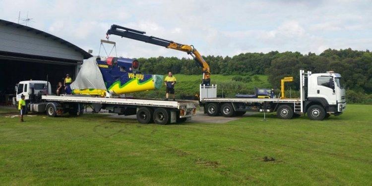 Effer lift crane on truck