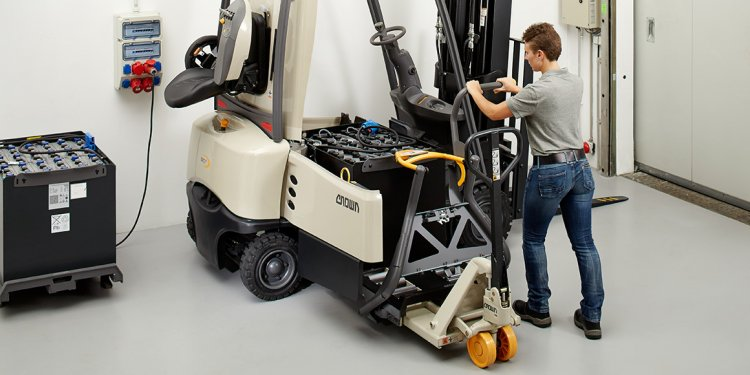 SC Series forklift with hard