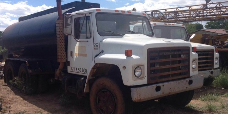International 1983 Water Truck