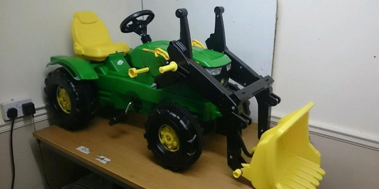 Ride on tractor and Loader