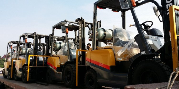 Forklift truck price