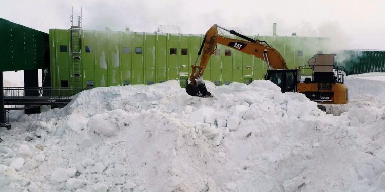 Snow excavation at Davis
