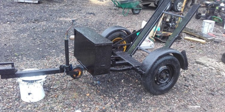 Tarmac roller carrier