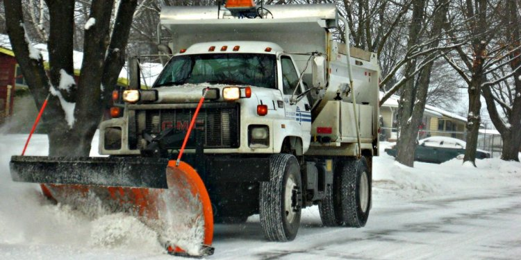 Track the Snow Plows Across