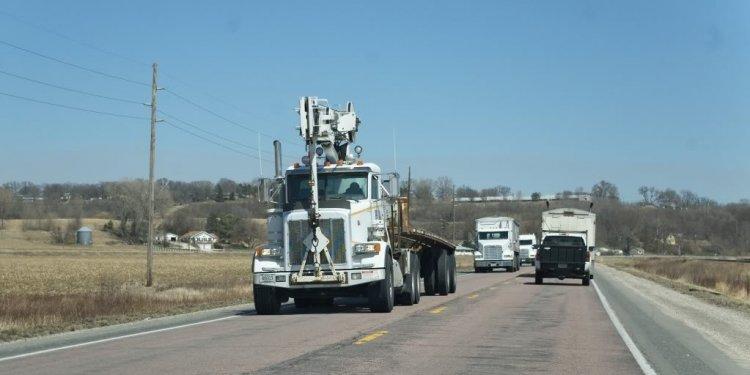 UPRR Peterbilt Crane Truck