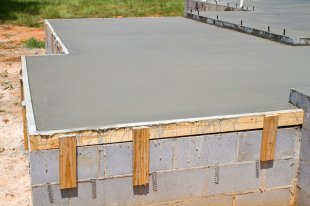 concrete slab for testing rh