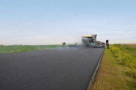 Large-scale construction projects can be completed swiftly and asphalt pavements laid seamlessly across the greatest widths with a laydown rate of up to 1, 600 t/h and a pave width of up to 16 m.