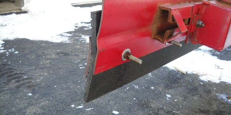 How to operate a Snow plow?