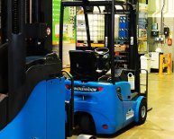 How to operate a Reach Truck?